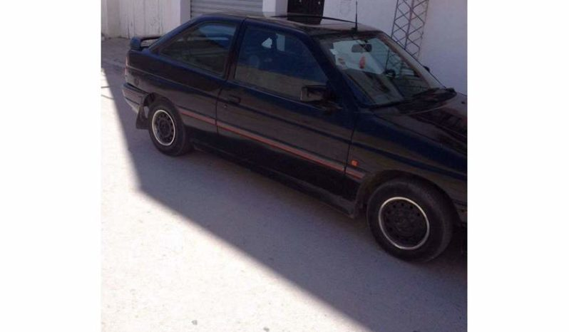 Ford ESCORT Essence plein
